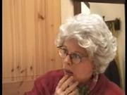 Хардкорное порно: дед трахает внука на кровати